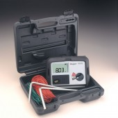 Megger DET3TD Three Point Ground Tester kit